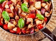 Рецепта Пилешки хапки с чери домати, гъби, лук и босилек